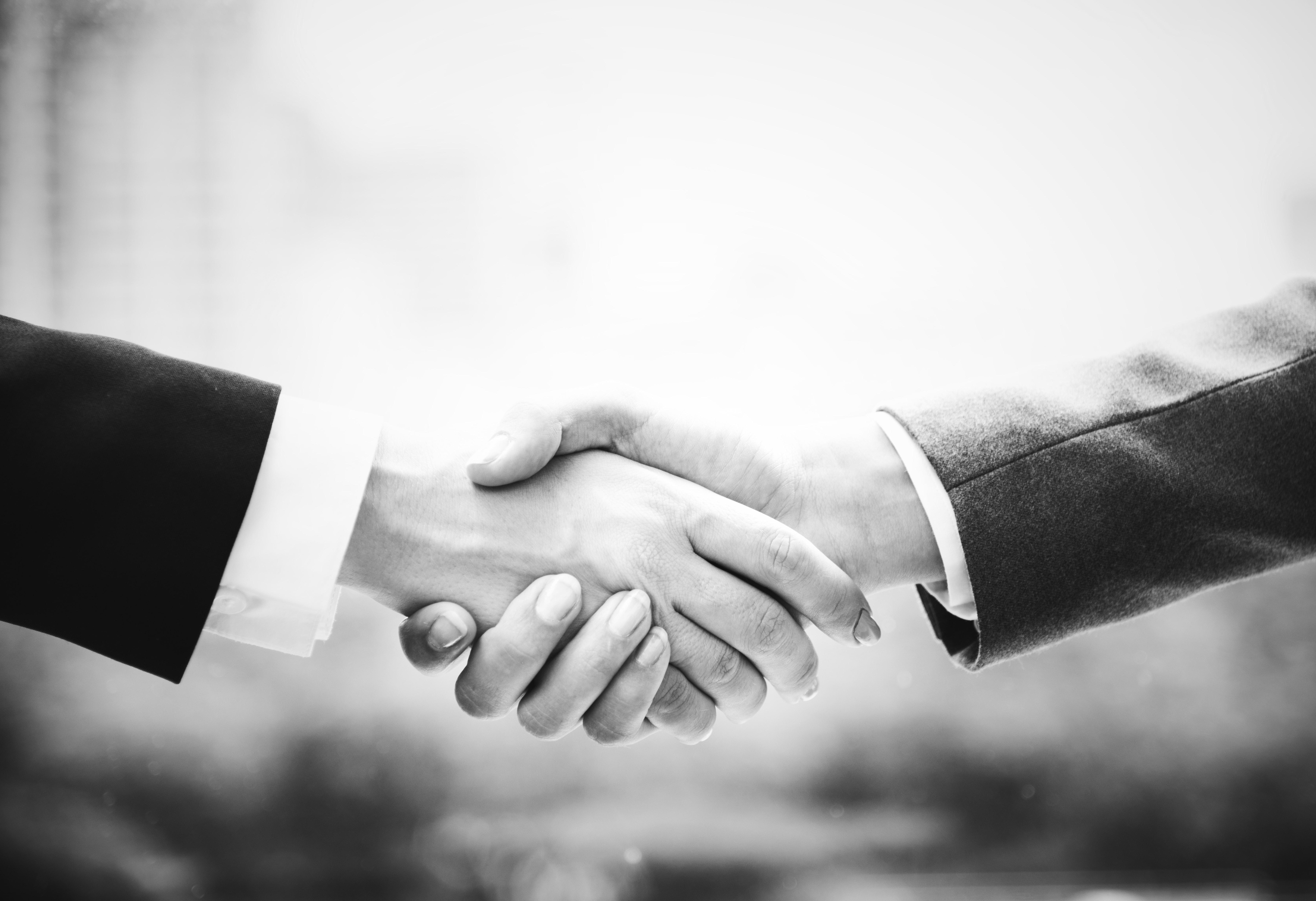 No fault divorce hand shake GiIbert Stephens Solicitors blog